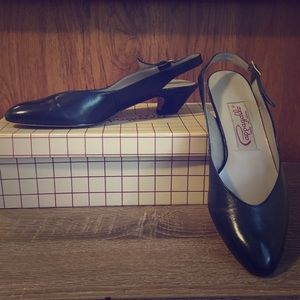 Pair of Pappagallo Navy Low Heels